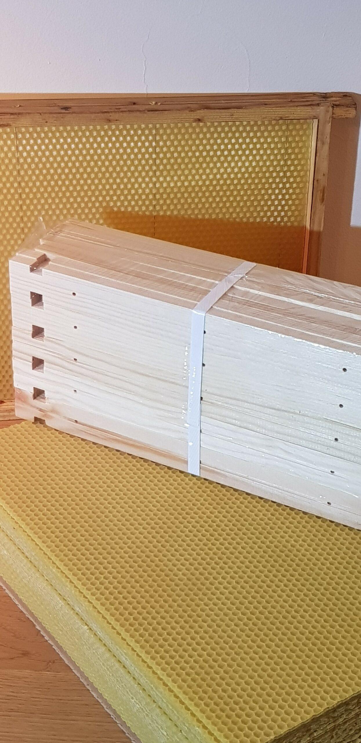 Węza to używany w pasiece szablon (plaster) z wosku pszczelego